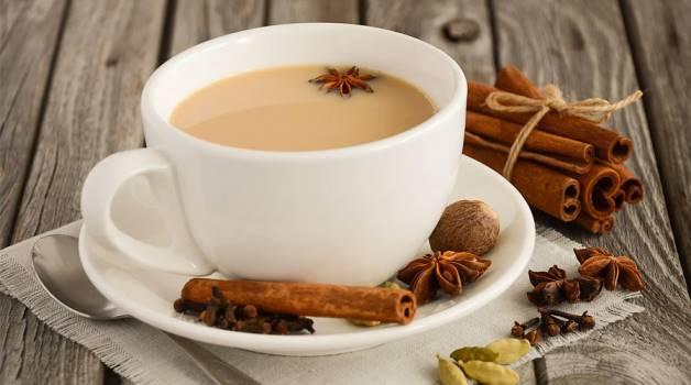 чай с бадьяном и кардамоном
