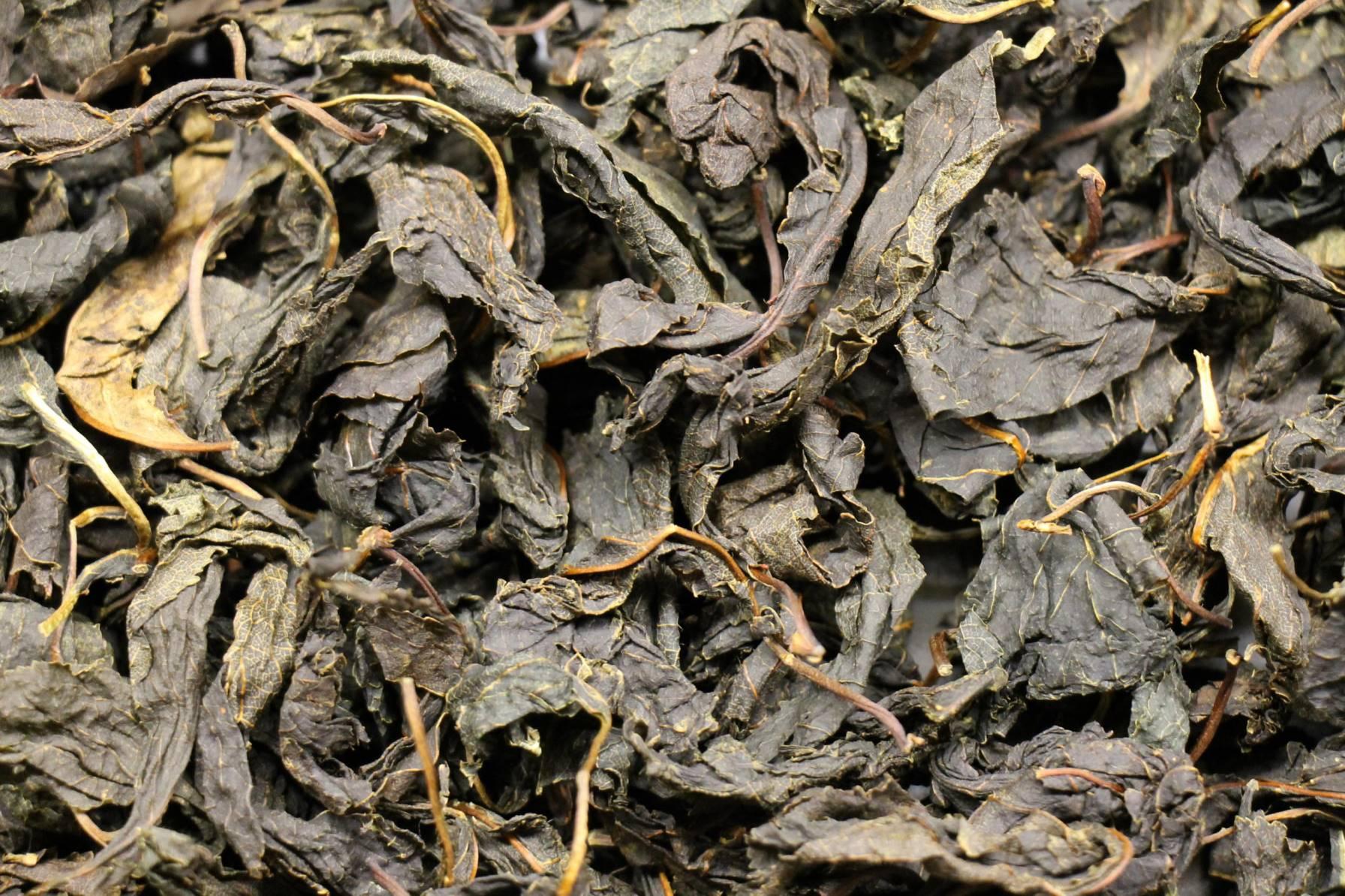 Чай из листьев и веточек вишни