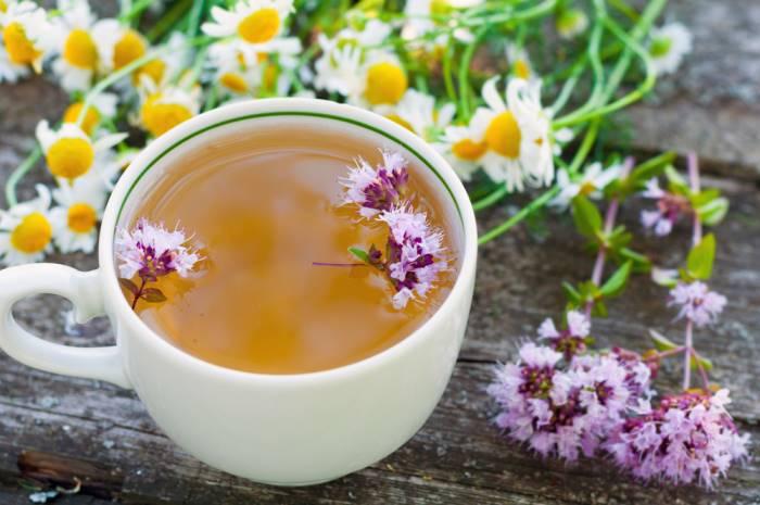 чай с душицей и ромашкой